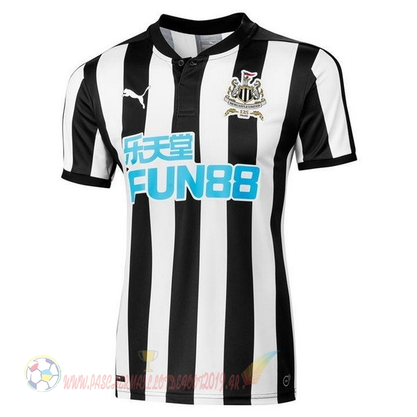 Destockage Maillot De Foot PUMA Domicile Maillots Newcastle United 2017 2018 Noir